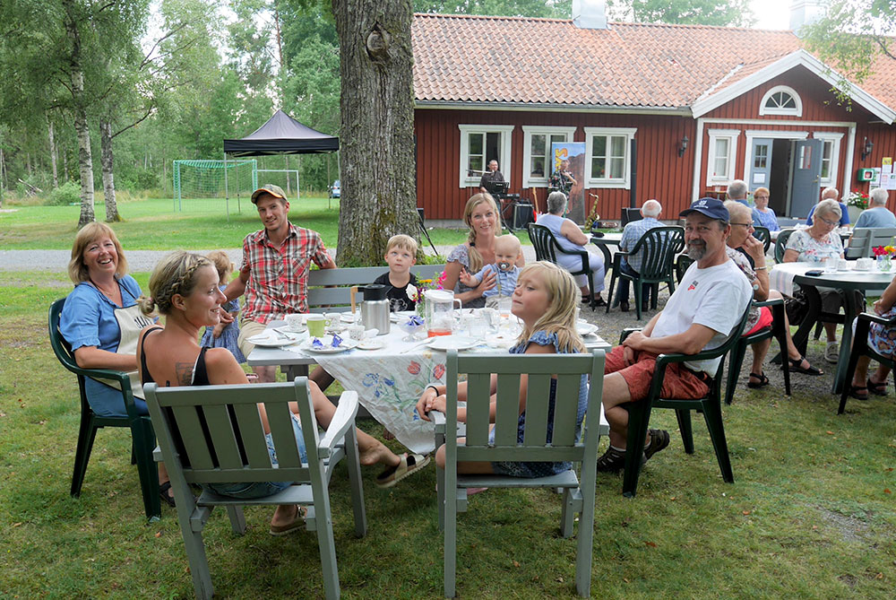 Algutsboda Hembygdsförening - Välkomna till sommarcafé i hembygdsparken